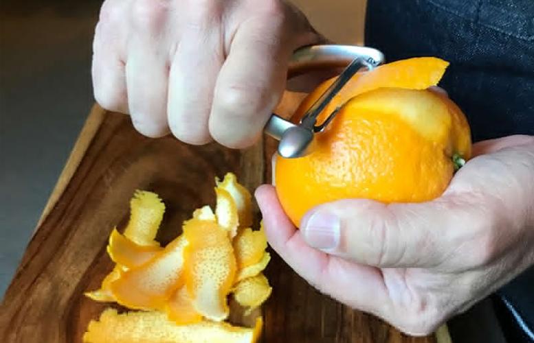 Kulit jeruk tah harus dibuang, banyak manfaat didalamnya (Foto: Alton Brown)