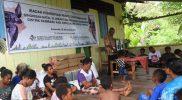 Pendeta Yonash Ampasoi memimpin ibadah bagi jemaat GKI Bethesda Sawendui