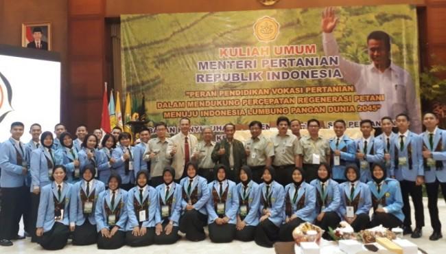 Pemerintah Dorong Mahasiswa Jadi Petani