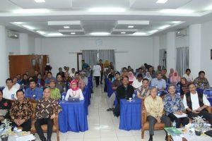 Peserta diskusi rutin PKSPL IPB (foto: panitia)