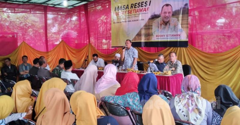 Budhy Setiawan, anggota Komisi IV DPR RI saat melakukan kunjungan reses di Kampung Sawah, Kelurahan Tanah Baru, Kota Bogor pada Kamis (9/1/2020)