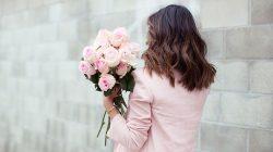 Mengekspresikan perasaan bisa dengan berbagai cara, salah satunya yaitu lewat bunga