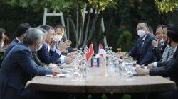 Menhan Prabowo Subianto bertemu Menteri Pertanian dan Kehutanan Turki Bekir Pakdemirli. (Foto: MAFTurkey)
