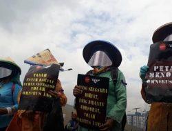 Tolak RUU Cilaka, Serikat Tani Ikut Banjiri Gedung DPR