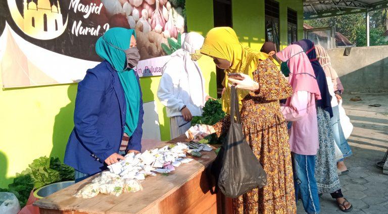 Warga gelar Pasar Sedekah dengan bayaran Doa (pidjar. com)