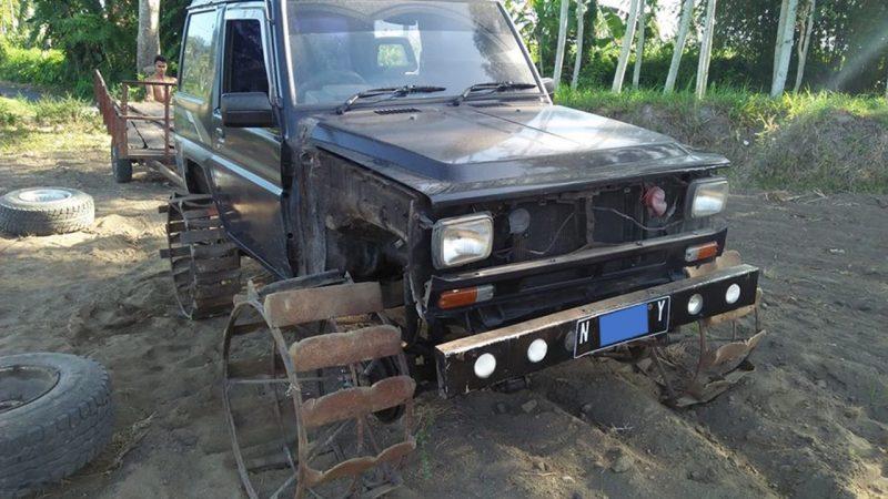 Traktor Hasil Modifikasi dari Daihatsu Taft (Foto: Fb/BerlianJunior)