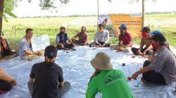 Pendampingan pelatihan pembuatan pupuk organik ke kelompok tani di Cilamaya, Jabar, sebagai bagian CSR Pertagas.