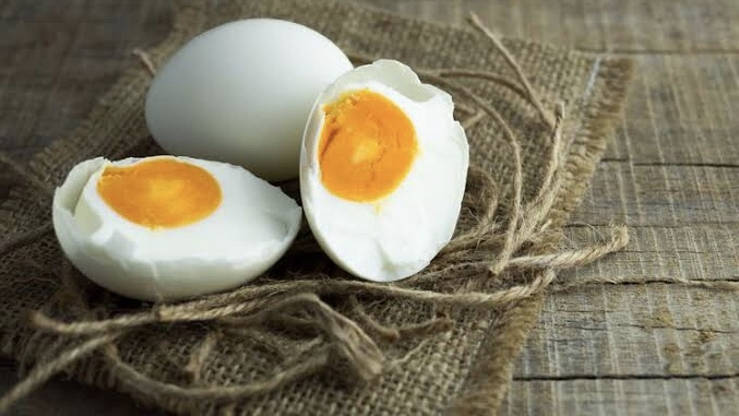 Telur asin (Kompas).