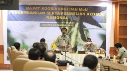 Menteri Pertanian Syahrul Yasin Limpo usai melakukan Rapat Koordinasi dan MoU pengembangan serta pembelian kedelai nasional di Kantor Direktorat Jenderal Tanaman Pangan