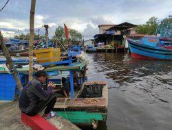 Nelayan Kalbar Berjibaku dengan Cuaca Ekstrim dan Pandemi