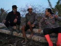 Salut, Para Polisi Ini Rela Bermalam di Gubuk demi Cegah Petani Membakar Lahan