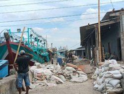 Proyek Gudang di Muara Angke Hambat Akses Nelayan dan Buruh Angkut