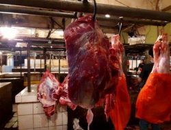 Jelang Puasa, Daya Beli Daging Sapi di Pasar Baru Bekasi Menurun