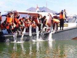 Pulihkan Populasi Ikan di Danau Batur, Pemkab Bangli Tebar 150 Ribu Benih Nila