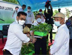 Serahkan Bantuan, Mentan SYL Harap Pertanian Jeneponto Berkembang