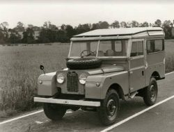 Legenda Land Rover, Mobil Kotak untuk Pertanian di Inggris