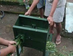 Atasi Kelangkaan Pakan Ternak, Mahasiswa UMM Buat Mesin Pencacah Rumput